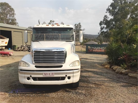 2007 Freightliner CL112 - Trucks for Sale