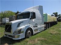 Heavy Duty Trucks - Conventional Trucks w/ Sleeper