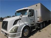 Heavy Duty Trucks - Cab & Chassis Trucks 2006 VOLV