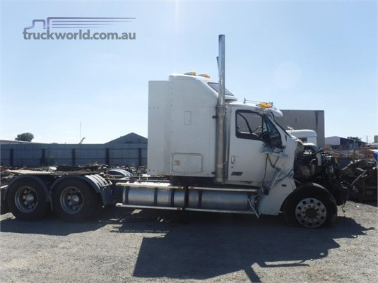 2001 Sterling L9500 - Wrecking for Sale
