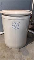 15 gallon crock (no cracks) with bonus lid. (Lid