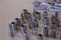 "52pc Craftsman Metric 1/4"" Dr Sockets & Ratchets"