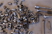 """80+pc Mixed 1/4"""" Dr Sockets, Ratchets & Extensions"""