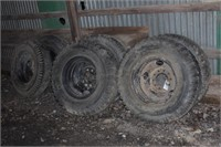 set of 6 heavy duty truck tires with rims