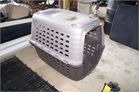 Petmate XL Poly Pet Crate