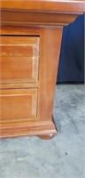 Beautiful wood 2 drawer nightstand