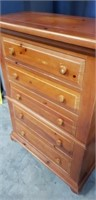 Beautiful 5 drawer chest of drawers
