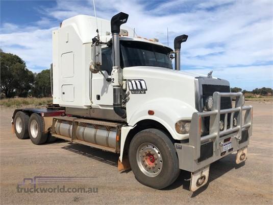 2009 Mack Trident - Trucks for Sale
