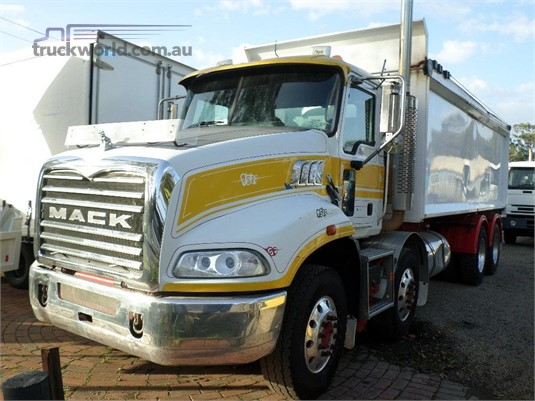 2010 Mack Granite - Trucks for Sale