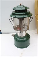 1972 Coleman Lantern in Clamshell Case