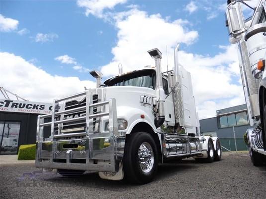 2010 Mack Trident - Trucks for Sale