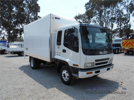 2004 Isuzu FRR - Trucks for Sale