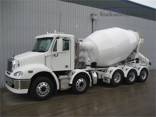 2019 Freightliner COLUMBIA 112 - Trucks for Sale