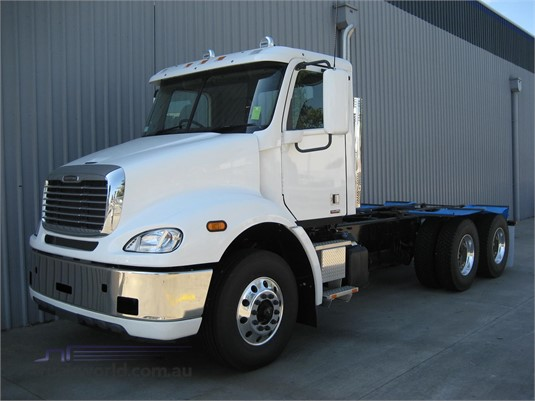 2020 Freightliner COLUMBIA 112 - Trucks for Sale