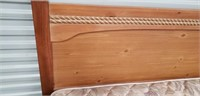 Beautiful wood full/queen bed