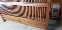 Beautiful kincaid wood kind size bed framed