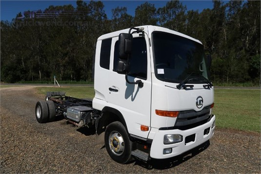 2012 UD MK11 250 - Trucks for Sale