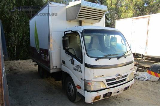 2010 Hino Dutro - Wrecking for Sale