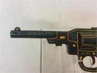 Marx vingtage lithograph tin dart pistol gun