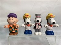 Peanuts Charie Brown & Snoopy figurines