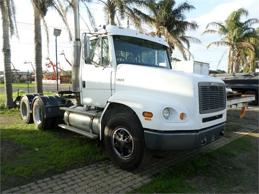 1999 Freightliner FL112 - Trucks for Sale