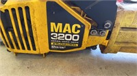 Lot of 2 chainsaws.