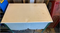 Ideal wash tub with lid in nice condition
