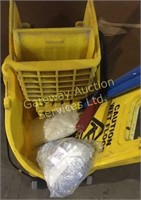 Industrial Rubbermaid Mop Bucket with Wringer,