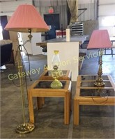 Coffee Table, 2 End Tables, Oil Lamp, Adjustable..