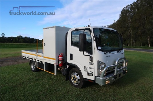 2014 Isuzu NPR 400 Premium - Trucks for Sale