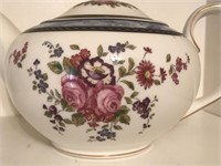 Three Teapots, 1 Hall and 1 Musical Teapot