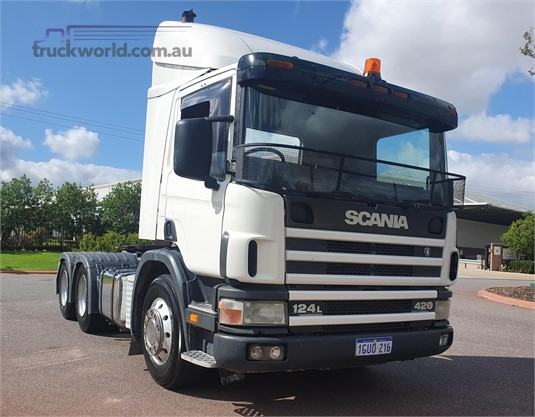 2004 Scania P124L420 - Trucks for Sale