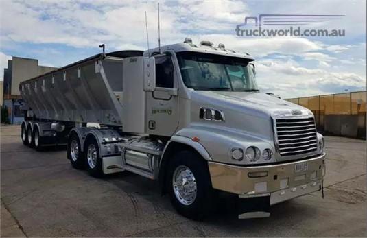 2011 Freightliner CENTURY 112 - Trucks for Sale