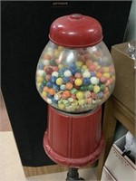 Vintage gumball machine, cast iron base, glass top