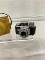 Miniture Hit camera w/ leather case, vintage