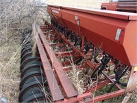 IHC drill with seed box