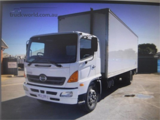 2003 Hino FG Raytone Trucks - Trucks for Sale