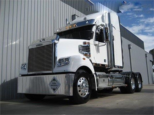 2020 Freightliner Coronado 114 - Trucks for Sale
