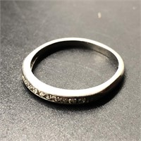 PLATINUM BAND RING WITH DIAMONDS SIZE 5 1/4