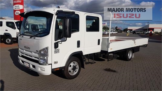 2008 Isuzu NPR Major Motors - Trucks for Sale