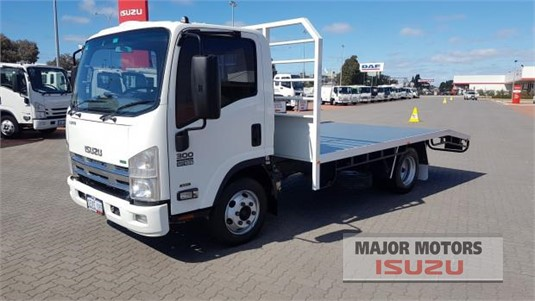 2013 Isuzu NPR Major Motors - Trucks for Sale