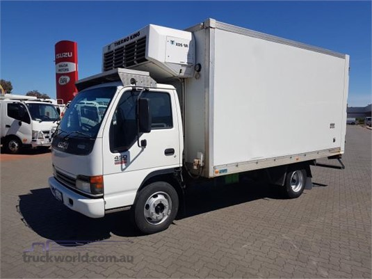 2004 Isuzu NQR - Trucks for Sale