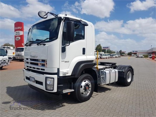 2017 Isuzu GXD - Trucks for Sale