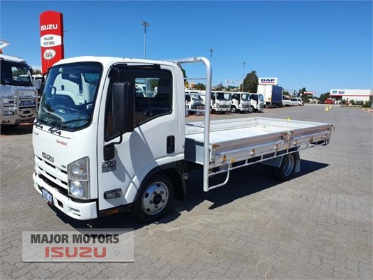 2014 Isuzu NLR Major Motors - Trucks for Sale