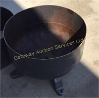 2 Shop Made Fire Pits 1 has a Bottom