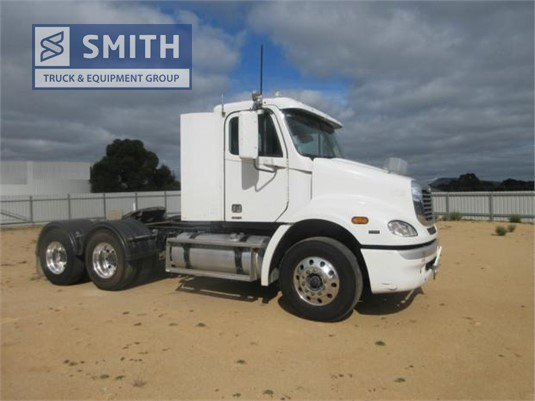 2009 Freightliner Columbia CL112 Smith Truck & Equipment Group - Trucks for Sale