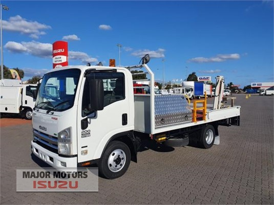 2012 Isuzu NPR Major Motors  - Trucks for Sale