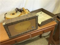 Newcomb Edt28 record player