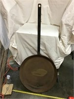 Large Iron Skillet, 20 1/2 Inch