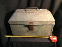 Galvanized toolbox 18 x 12 x 8, Some rust on